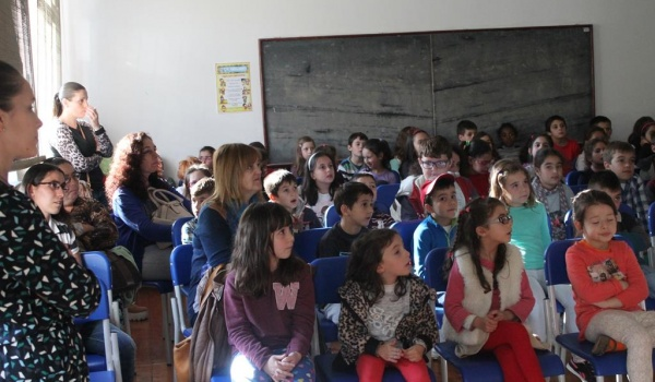 """O Centro Municipal de Valências realiza Workshop sobre a """"Água e a Higiene do Corpo"""" para os alunos do 1.º e 2.º ano do 1.º Ciclo do Agrupamento de Escolas de Terras de Bouro"""