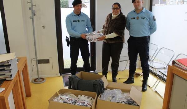 GNR do Gerês visita Serviços de Ação Social do Município de Terras de Bouro e doa vestuário para famílias carenciadas
