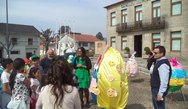 """Inaugurada a exposição """"PINTAR A PÁSCOA XI"""""""