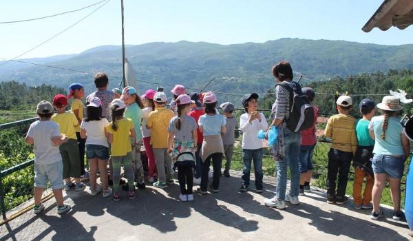 O Centro Municipal de Valências levou alguns alunos do 1.º ciclo do Agrupamento de Escolas à Ermida (Gerês) para conhecerem o ciclo do pão, realizarem dois trilhos e passear a cavalo