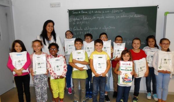 Câmara Municipal Assegura Entrega dos Livros de Atividades aos alunos do 1º Ciclo do Agrupamento de Escolas de Terras de Bouro
