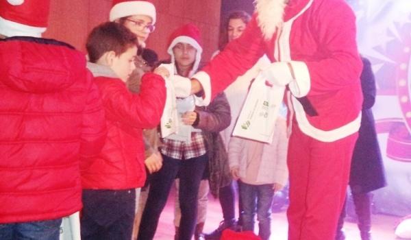 Entrega de prendas de Natal aos alunos dos Jardins e Escolas de 1.º Ciclo de Terras de Bouro