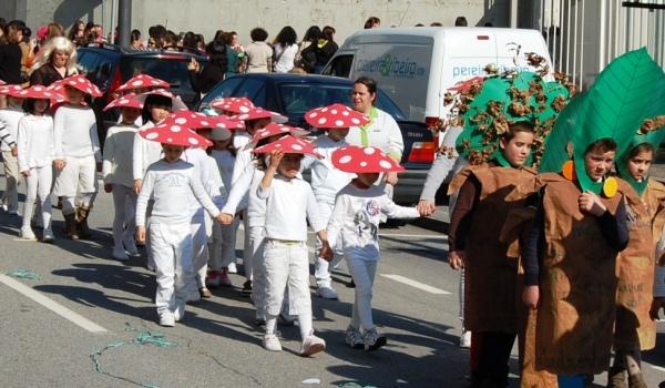 Desfile de Carnaval no dia 9 de fevereiro na vila de Terras de Bouro