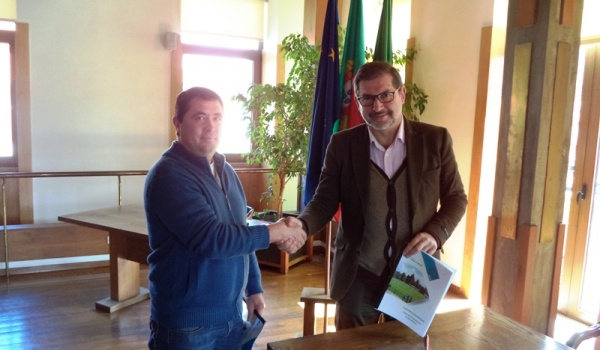Assinatura de Contrato - Programa de Desenvolvimento Desportivo entre o Município de Terras de Bouro e o Grupo Desportivo do Gerês