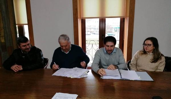 Assinatura do Contrato de Requalificação do C.M. 1259 (E.N.307/Carvalheira) e C.M. 159-2 (Gradouro / Pergoim)