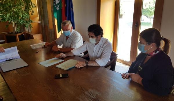 Assinatura do Contrato de Construção de Rede Pedonal de Ligação às Centralidades de Rio Caldo e Vilar da Veiga