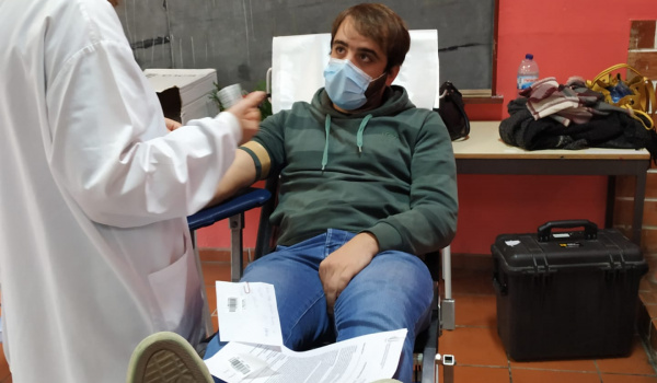 """Centro Municipal de Valências acolheu campanha de doação de sangue da iniciativa """"Vamos ajudar o António""""!"""