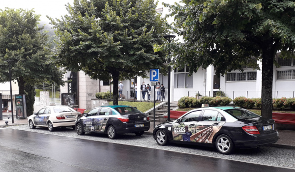 Município de Terras de Bouro renova publicidade nos táxis do concelho